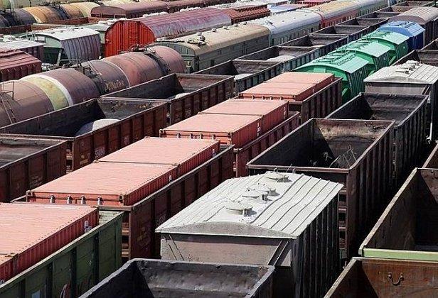 Украина отдаст приоритет украинским грузам по железной дороге – Омелян