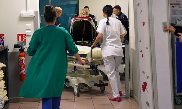 фото - Серов попал в больницу
