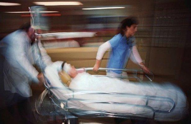 фото - актре госпитализирован из сериала кухня