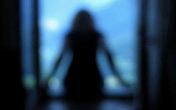 Во Львове 14-летняя девушка выбросилась из окна 15-го этажа: найдена ее предсмертная записка