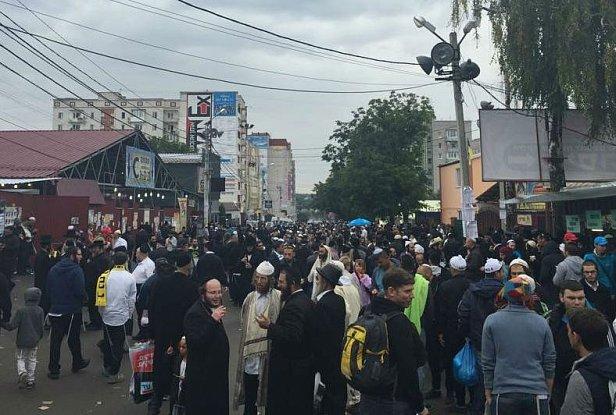 Около 26 тысяч хасидов-паломников прибыли в Умань на празднование Рош-а-Шана