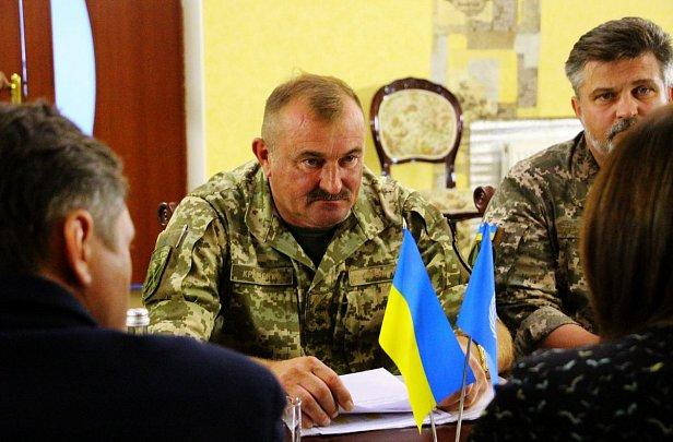Фото - командующий ООС Владимир Кравченко