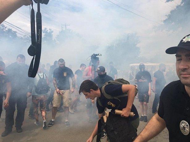 Активисты Национального корпуса устроили протест против строительства дома в Одессе
