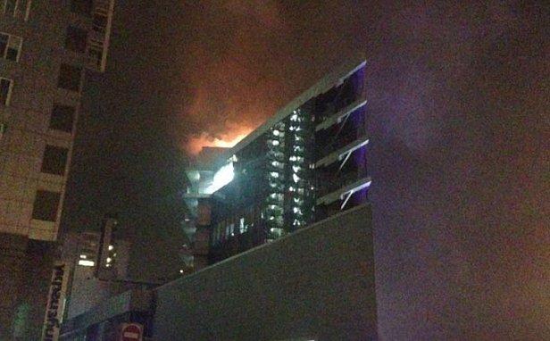 Срочно: В Киеве вспыхнул пожар в бизнес-центре на Днепровской набережной