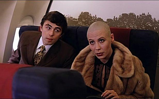 Актер из «Брата 2» устроил дебош на борту международного самолета