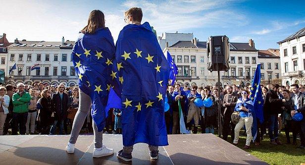 Евросоюз обяжет Google и Facebook раскрыть факторы ранжирования