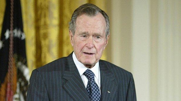 На фото 41-й президент США (1989-1993)  Джордж Уолтер Буш