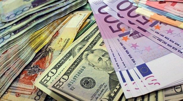 Евро и доллар подешевели: обнародован новый курс валют в Украине