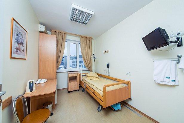 """Больницам приказали готовить палаты для """"VIP-пациентов"""""""