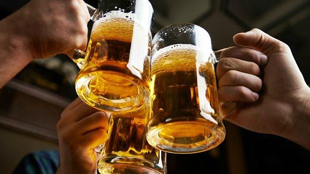 Ученые рассказали, как употребление алкоголя поможет изучать иностранные языки