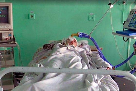 Проломили голову за 500 грн: появились новые факты и фото мучительниц школьницы под Житомиром