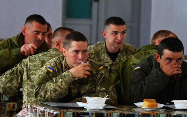 """""""В войсках недобор по личному составу достигает 30-40%"""": военные ВСУ с передовой"""