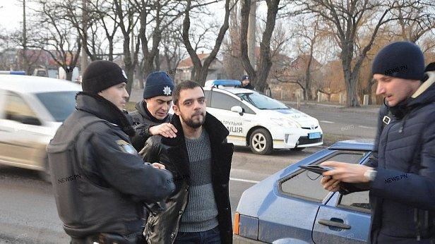 В Николаеве жестоко расстреляли семью прямо у здания суда