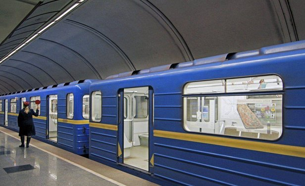 Киеву грозит транспортный коллапс: метрополитен на грани разорения
