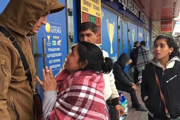 «Ничего мне за это не будет»: ромы в Киеве попались на воровстве (видео)