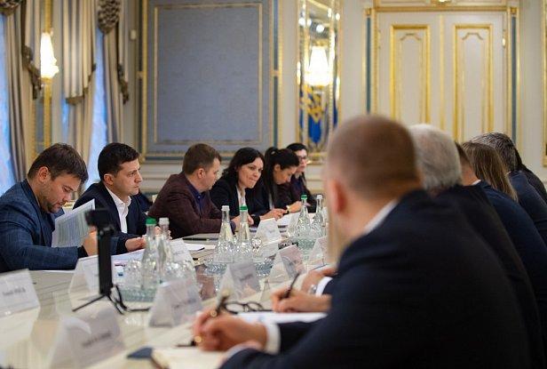 Фото — Представители АЗС на встрече с Зеленским