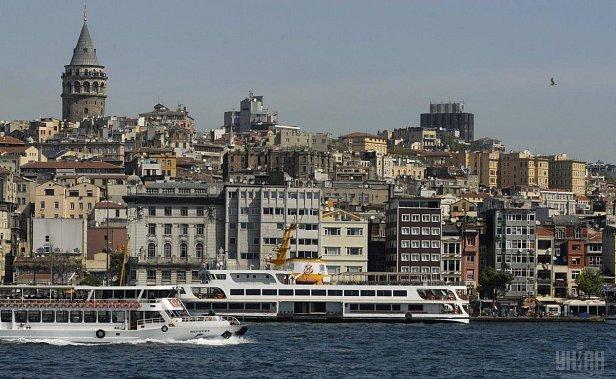 В Турции запретили продавать недвижимость за валюту