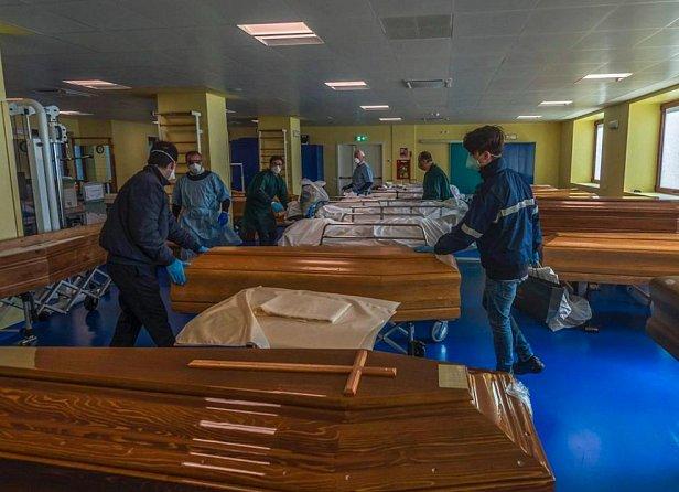 В Италии за сутки погибло 627 человек от коронавируса